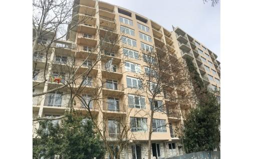 Ялта: Многоквартирный дом на ул. Красных Партизан